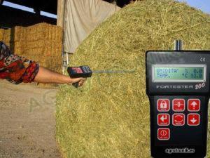 Medidores de humedad y temperatura en forraje
